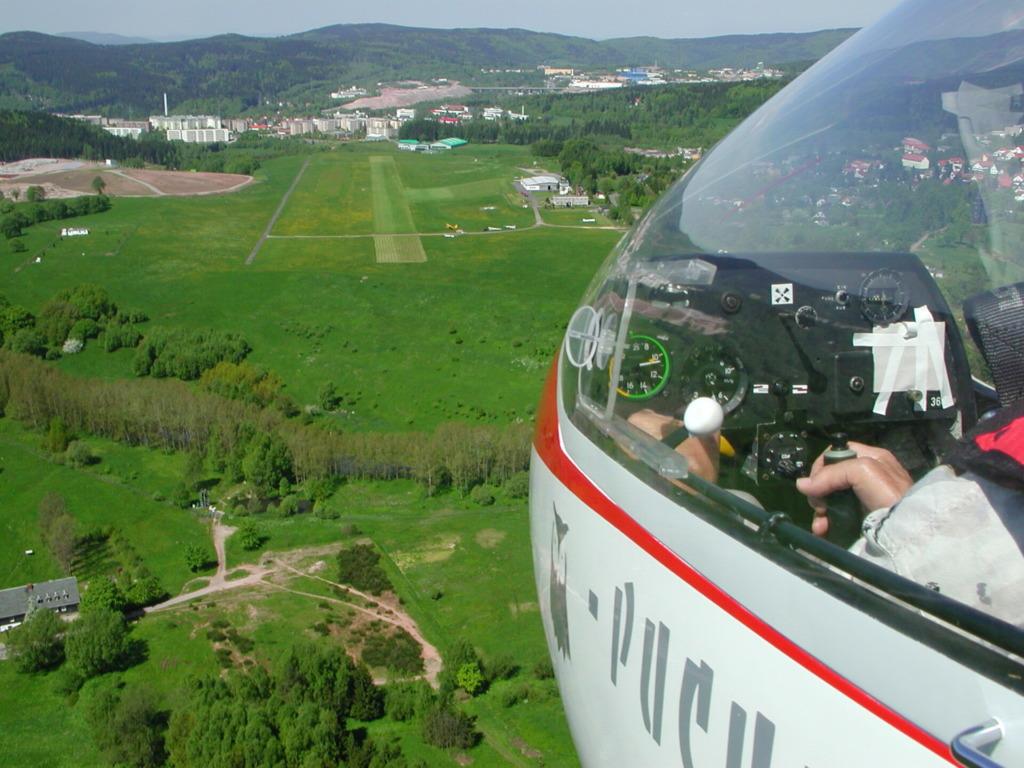 Anflug auf den Segelflugplatz von Goldlauter-Heidersbach