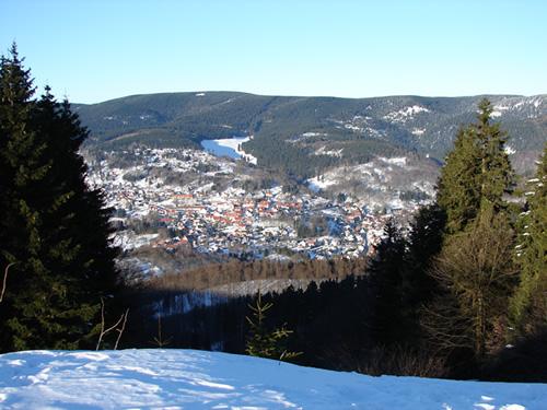 Blick vom Rimbachbrunnen auf Goldlauter-Heidersbach