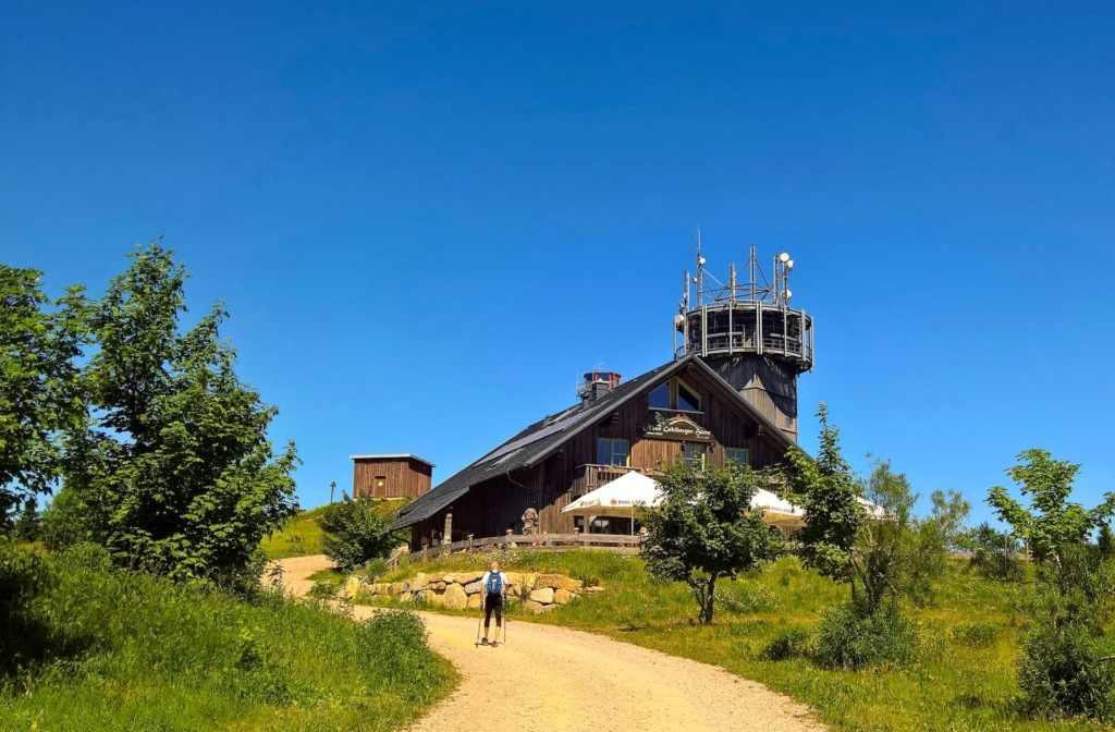 Gehlberger Hütte im Sommer