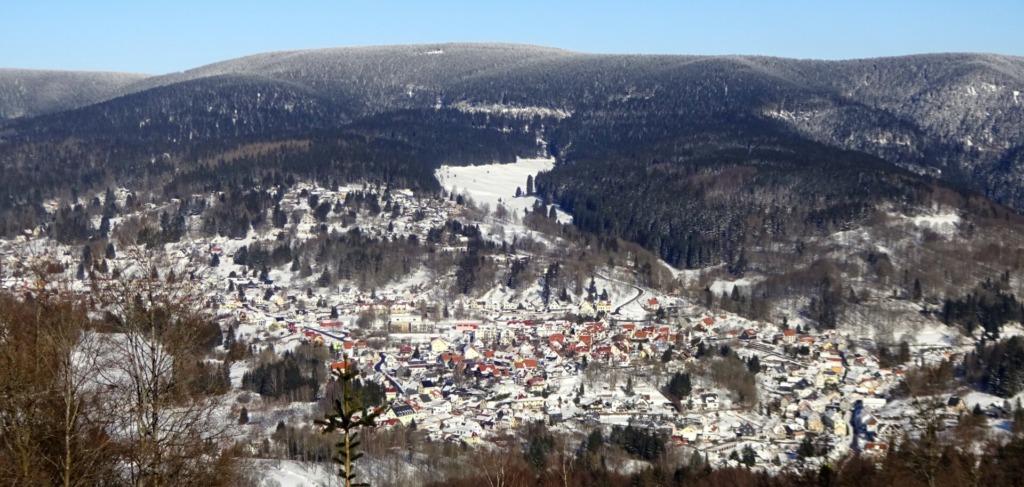 Goldlauter-Heidersbach, traumhaft gelegen am Beerbergmassiv