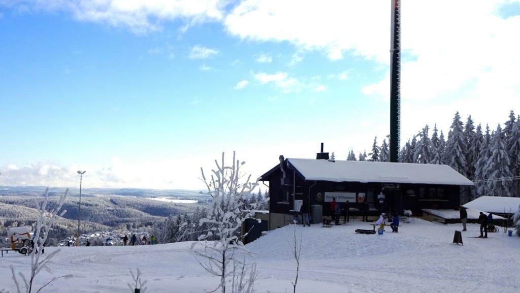 Liftbaude Schmiedefeld mit Alpine Skihang